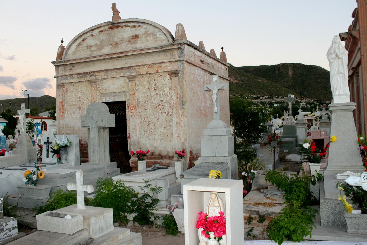 Llegó a su máxima capacidad Panteón de Los San Juanes - El Informante de  Baja California Sur